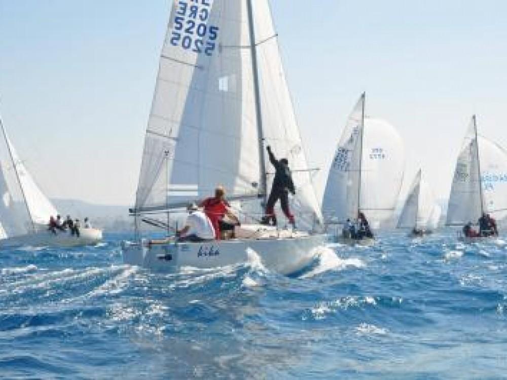 Σεμινάριο αγωνιστικής ιστιοπλοϊας με σκάφη της κλάσης J24