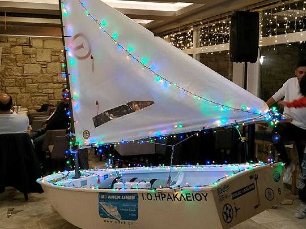 Ήρθε η ώρα να στολίσουμε το δικό μας Χριστουγεννιάτικο καράβι !